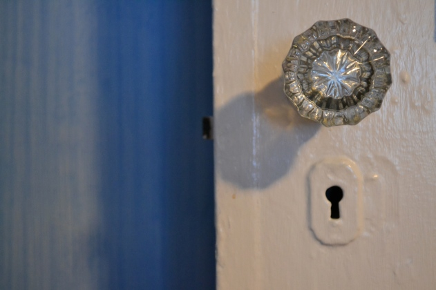 blue room glass doorknob
