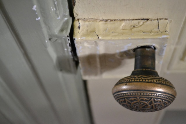 doorknob cracked paint